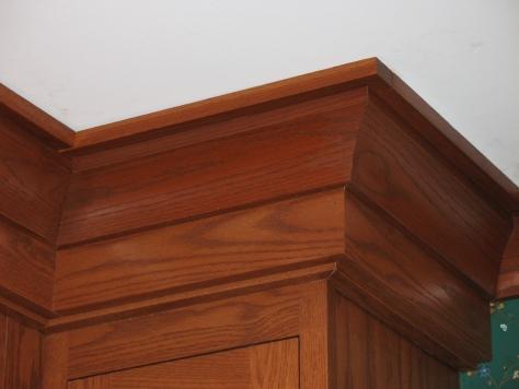 Kitchen decor molding craftsman shaker style cabinets for Craftsman style molding photos